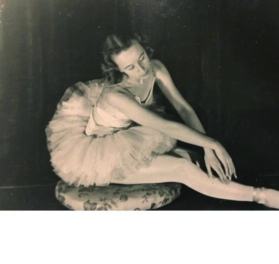 mom ballet PM